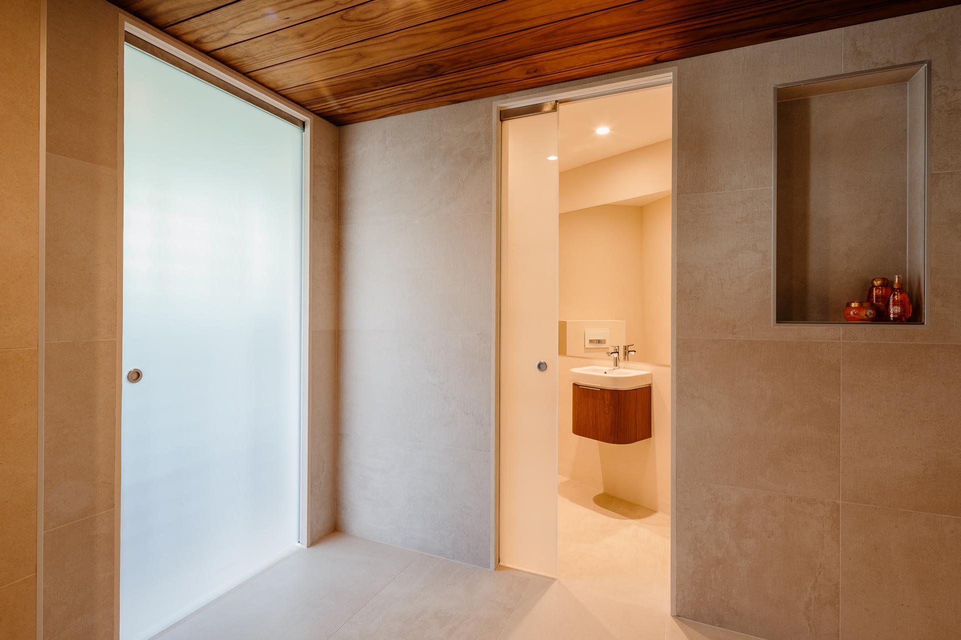 Lakka laine pocket door liukuovij rjestelm - Porte in vetro per bagno ...